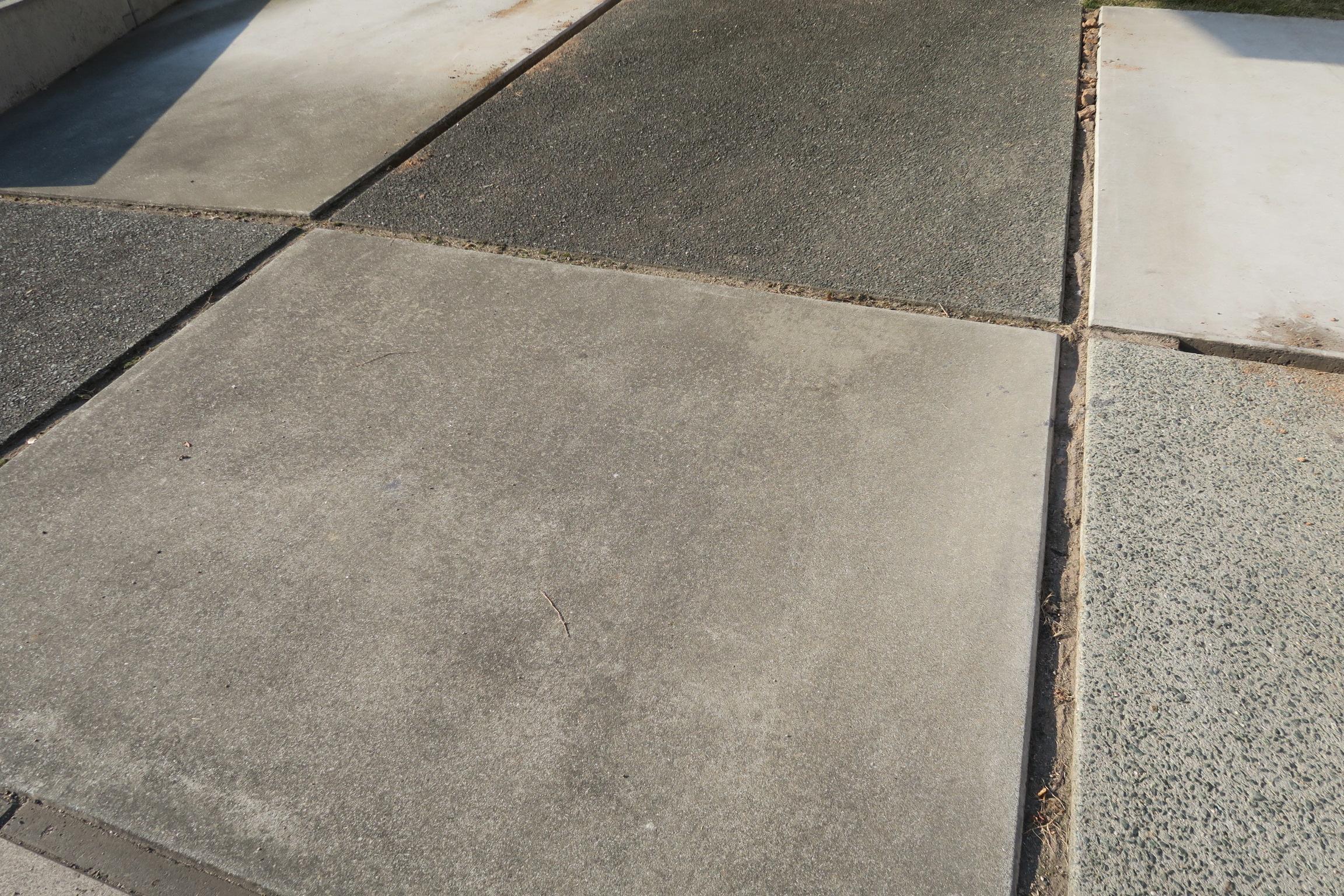 駐車場の目地を固まる砂で埋めると後悔する3つの理由