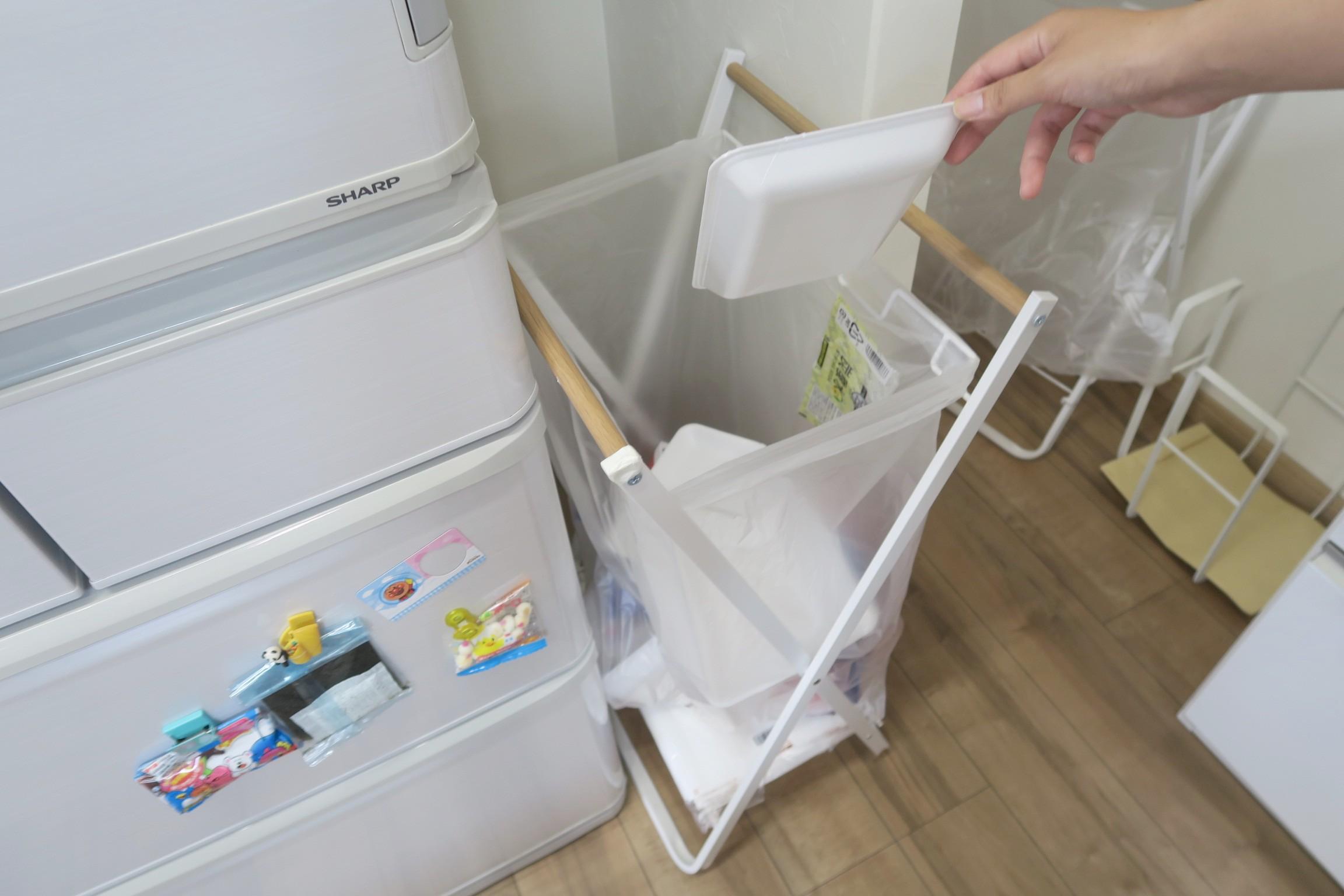 ごみを捨てやすいスタンドタイプ